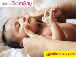 Cách điều trị bệnh rôm sảy ở trẻ sơ sinh và trẻ nhỏ