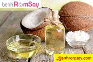 Dầu dừa có tác dụng rất tốt trong điều trị bệnh rôm sảy ở trẻ