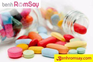 Một số loại thuốc uống chữa rôm sảy cho bé