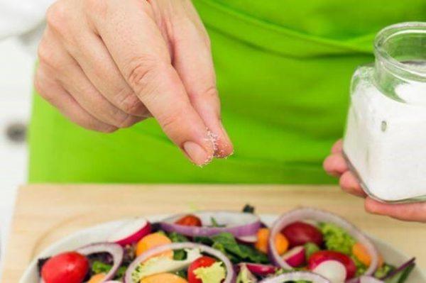 Ăn nhiều muối có nguy cơ gây ra tử vong ở người bị Lupus ban đỏ